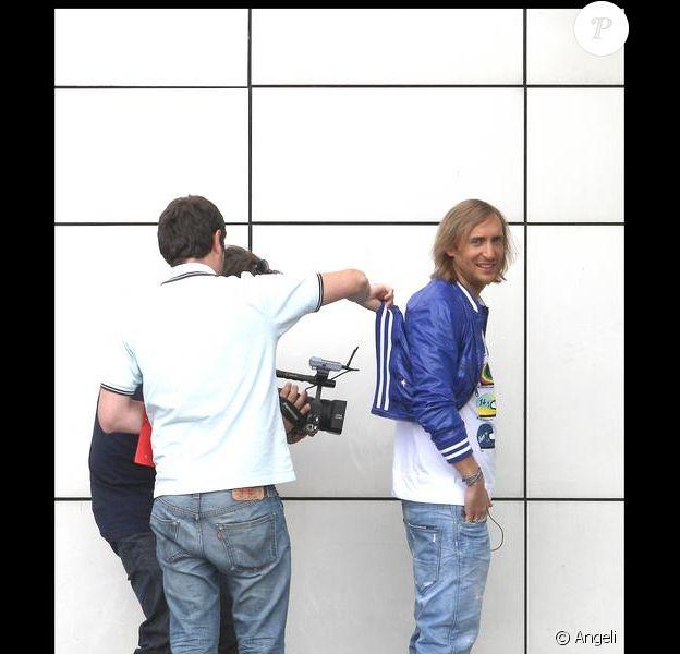 David Guetta tourne une publicité dans Paris.