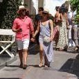 Exclusif - Eva Longoria, son mari Jose Antonio Baston se promènent en amoureux dans les rues de Capri en Italie le 14 juillet 2019.