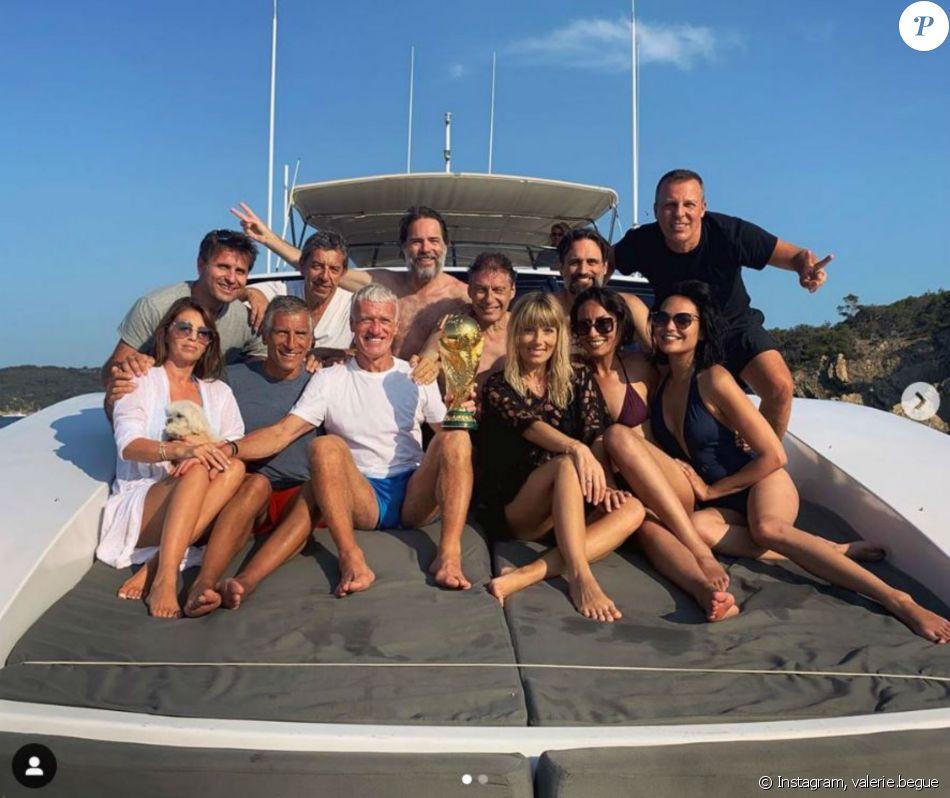 Didier Deschamps en vacances à Saint-Tropez célèbre le premier anniversaire de la Coupe du monde 2018 avec ses amis VIP dont Valérie Bègue, Nagui, Mélanie Page, Jean-Roch, Fabrice Santoro, Leïla Kaddour... Instagram, le 20 juillet 2019.