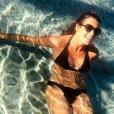 Faustine Bollaert divine en bikini en Toscane, le 21 juillet 2019