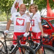 Sylvie Tellier et son beau-père complices à vélo sur le Tour de France