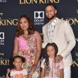 Stephen Curry, sa femme Ayesha et leurs filles Ryan et Riley le 9 juillet 2019 à Los Angeles lors de l'avant-première mondiale du film  Le Roi Lion .