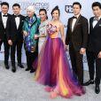 Jon M. Chu, Ronny Chieng, Lisa Lu, Tan Kheng Hua, Fiona Xie, Harry Shum Jr. pour Crazy Rich Asians lors des 25e Screen Actors Guild Awards au Shrine Audritorium à Los Angeles, le 27 janvier 2019.
