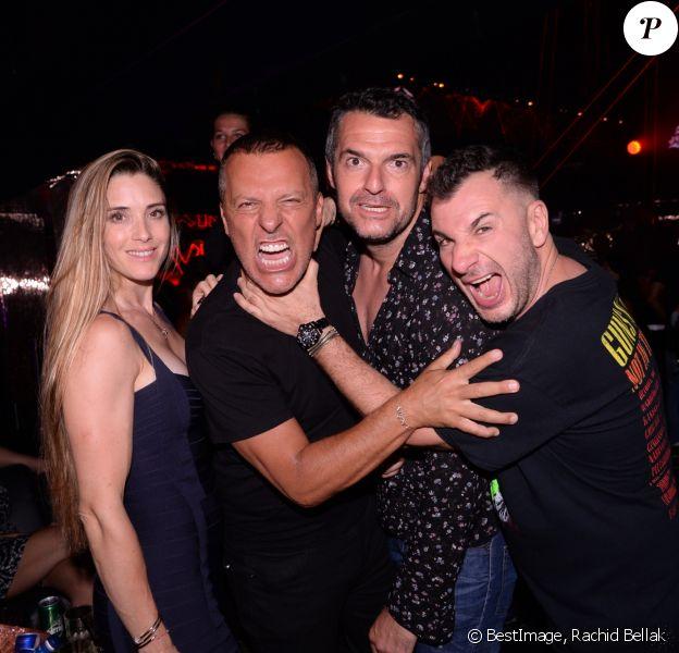Exclusif - Claire Francisci, Jean-Roch, Arnaud Ducret et Michaël Youn au VIP Room à Saint-Tropez le 1er août 2019. © Rachid Bellak/Bestimage