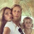 Gwyneth Paltrow célèbre la fête des Mères américaine le 12 mai 2019 avec ses enfants, Apple et Moses.