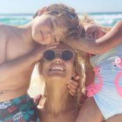 Elodie Gossuin : La séance câlins (adorable) avec ses enfants sur la plage