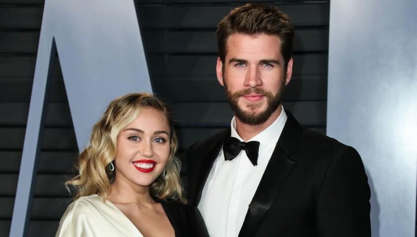 Miley Cyrus et son compagnon Liam Hemsworth à la soirée Vanity Fair Oscar au Wallis Annenberg Center à Beverly Hills, le 4 mars 2018