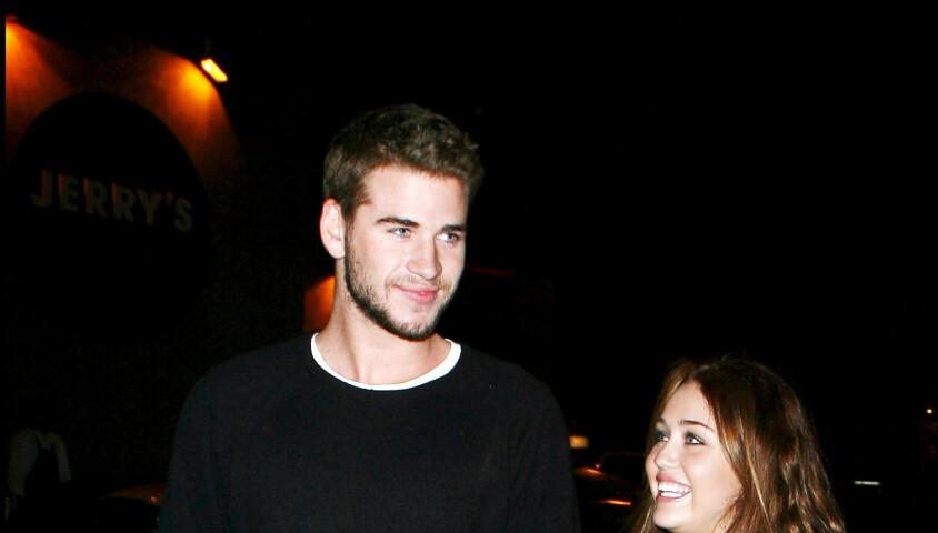 Miley Cyrus et Liam Hemsworth, le 2 février 2010. Los Angeles