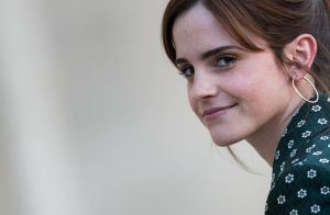 Emma Watson apprend la guitare grâce à un prof inattendu...