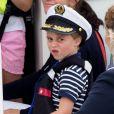 Le prince George sur un bateau lors de la King's Cup à Cowes le 8 août 2019.