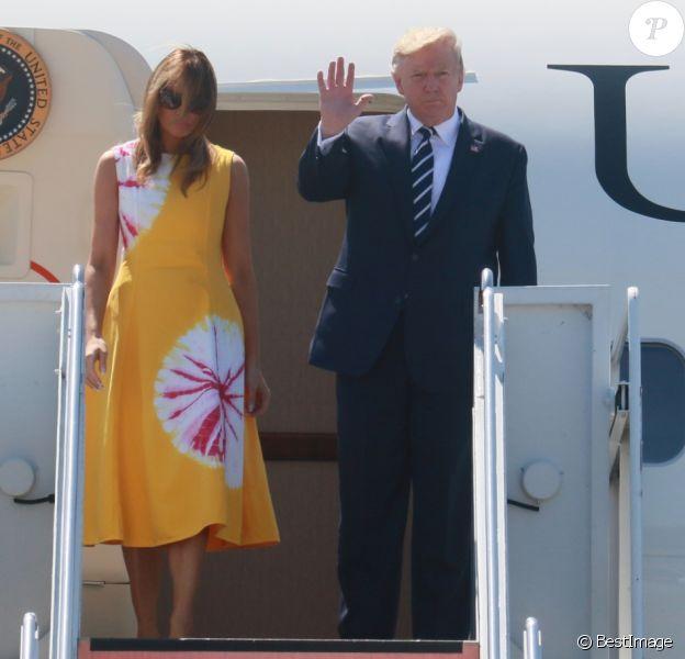 Le président Donald Trump et sa femme Melania arrivent à l'aéroport de Biarritz pour assister au sommet du G7 le 24 août 2019.