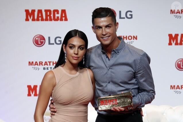 Cristiano Ronaldo et sa compagne Georgina Rodriguez assistent au Prix Marca Leyenda à Madrid en Espagne, le 29 juillet 2019.