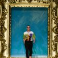 Le designer Jeremy Scott à l'issue du défilé Moschino lors de la Fashion Week de Milan, le 19 septembre 2019.