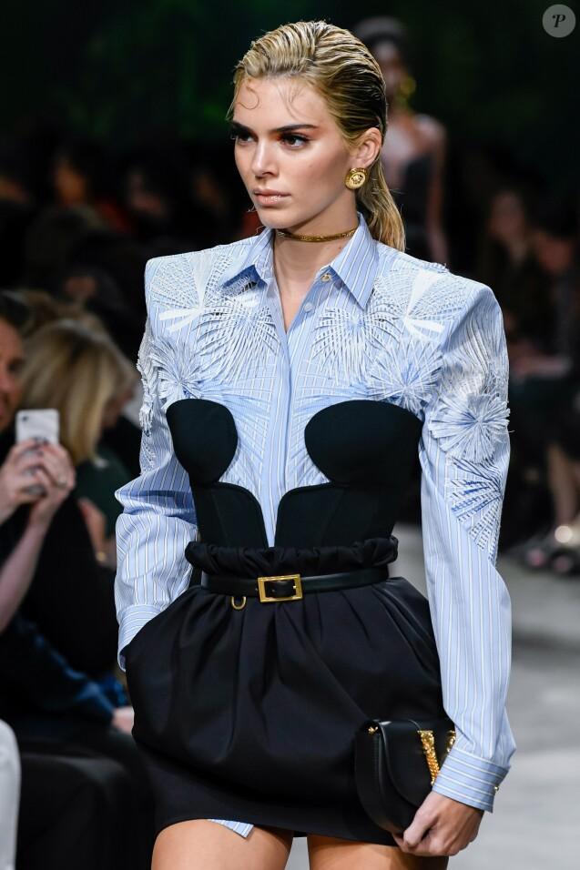 Kendall Jenner - Défilé Versace Collection Prêt-à-Porter Printemps/Eté 2020 lors de la Fashion Week de Milan, le 20 septembre 2019.