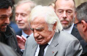 Obsèques de Charles Gérard : Jean-Paul Belmondo effondré et soutenu par sa fille