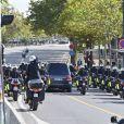 Le cortège funéraire de l'ancien président de la République française Jacques Chirac quitte les Invalides après les honneurs funèbres militaires pour rejoindre l'église Saint-Sulpice à Paris le 30 septembre 2019.