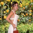 """Rachel Bilson porte une robe blanche Jacquemus au photocall de la 10ème édition du """"Veuve Cliquot Polo Classic"""" à Los Angeles, le 5 octobre 2019."""