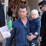 Liev Schreiber, papa-poule avec son petit Alexander... ouvre la marche pour sa belle Naomi Watts et leur dernier né !