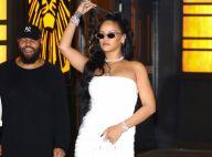 Rihanna : Divine en robe blanche moulante