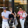 Jessica Alba avec son mari Cash Warren quelques jours plus tôt, et toujours accompagnée de sa fille Honor
