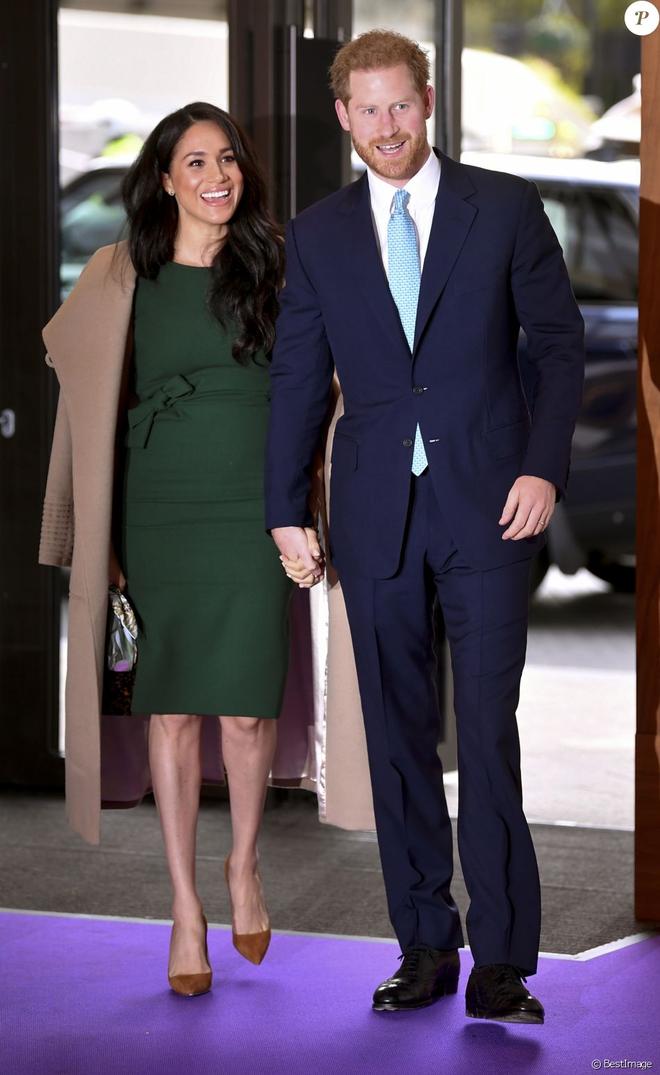 Le prince Harry, duc de Sussex, et Meghan Markle, duchesse de Sussex, arrivent à la cérémonie des WellChild Awards à Londres le 15 octobre 2019.