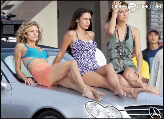 AnnaLynne McCord sur le tournage de 90210 avec Jessica Stroup et Jessica Lowndes