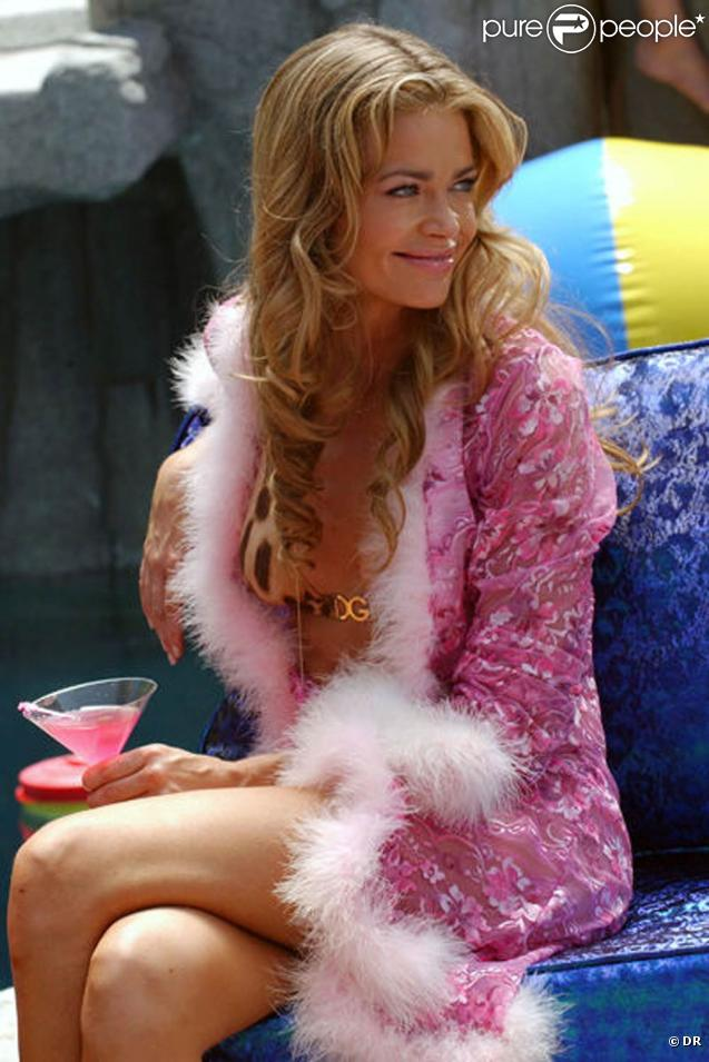 "Denise Richards au générique de ""Hot Babes"" !"