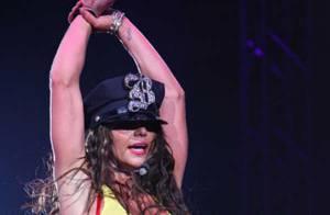Brtiney Spears planche déjà sur un septième album... et elle continue de mettre le feu sur scène !