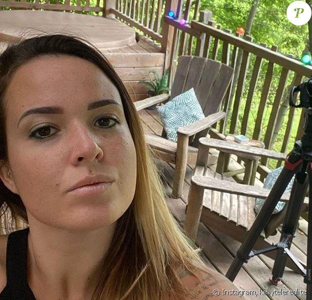"""Kelly Helard des """"Ch'tis"""" en tournage dans une forêt, le 9 octobre 2019"""