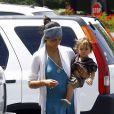 Camila Alves dans les rues de Los Angeles le 18 juillet 2009