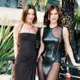 Carla Bruni et Eva Herzigova au Festival de Cannes. Le 24 mai 1998.