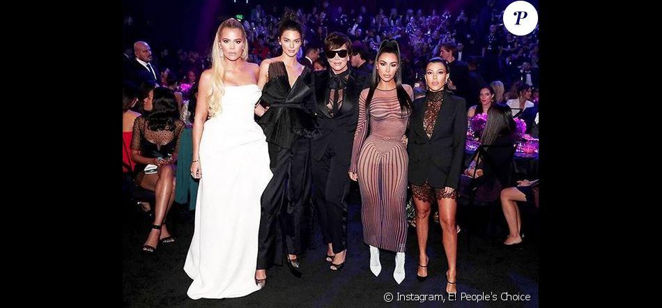 Khloé Kardashian, Kendall Jenner, Kris Jenner, Kim et Kourtney Kardashian aux E! People's Choice Awards. Janvier 2019.