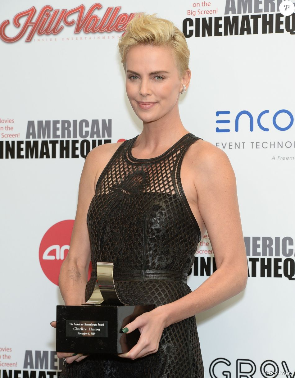 Charlize Theron - Photocall du 33ème American Cinematheque Awards Gala à Los Angeles le 8 novembre 2019.