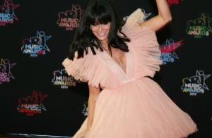 Jenifer : Jolie poupée rock en robe H&M aux NRJ Music Awards 2019