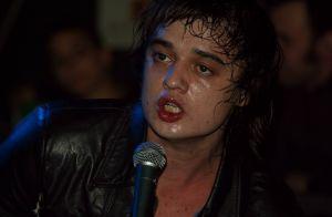 Pete Doherty ivre à Paris : retour en garde à vue après une bagarre