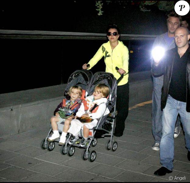 Britney avec son chéri Jason Trawick et ses enfants en Suède (18 juillet au soir)
