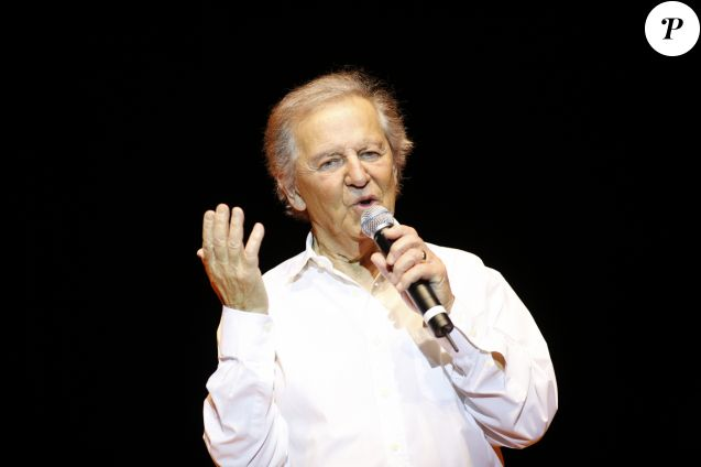 Archives - Rendez-vous avec Fred Mella lors de sa tournée à Cosne-sur-Loire. Le 25 octobre 2008 © Jean-Claude Woestelandt / Bestimage