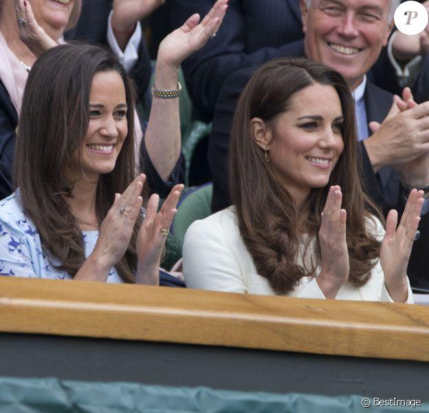 Kate et Pippa Middleton à Wimbledon, à Londres, en 2012.