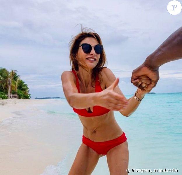 Ariane Brodier à laplage, aux Maldives, novembre 2019