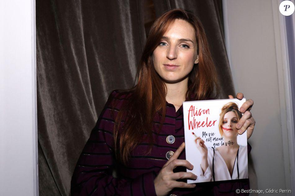 """Alison Wheeler - Soirée pour la sortie du livre d'Alison Wheeler """"Ma vie est mieux que la vôtre"""" à l'Hôtel Vernet à Paris, le 12 novembre 2019. © Cédric Perrin/Bestimage"""
