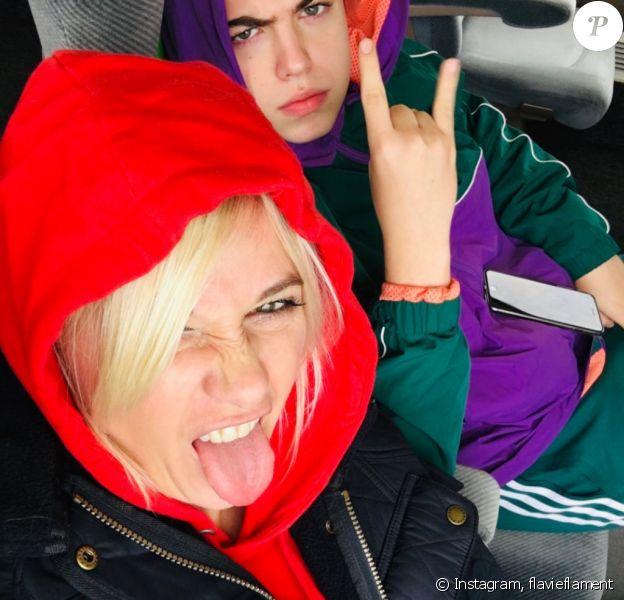 Flavie Flament pose avec son fils Enzo, sur Instagram, le dimanche 24 novembre 2019.