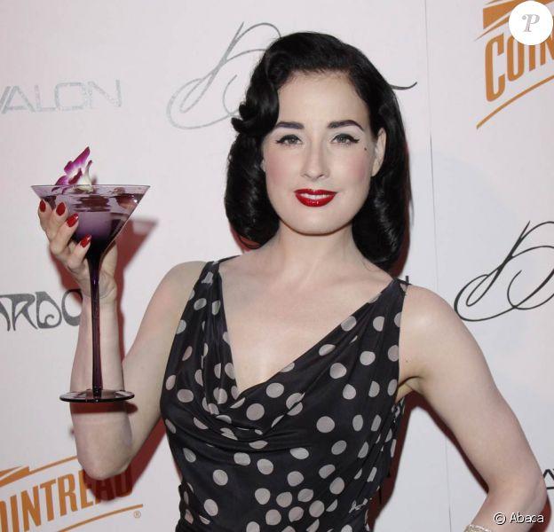 Dita von Teese, à l'occasion du Burlesque Sensation, pour la promotion du Cointreau Teese, à l'Avalon d'Hollywood, à Los Angeles, le 22 juillet 2009 !