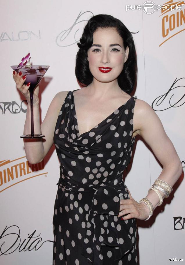 http://static1.purepeople.com/articles/0/36/27/0/@/254068-dita-von-teese-a-l-occasion-du-637x0-2.jpg
