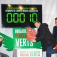"""Gad Elmaleh - Lancement officiel des """"Pères Noël Verts"""" du Secours Populaire sur la place de l'Hôtel de Ville à Paris le 25 novembre 2019. © Jack Tribeca/Bestimage"""