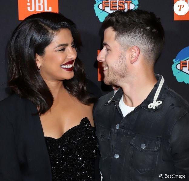 """Priyanka Chopra et son mari Nick Jonas au photocall de la 3ème édition de la soirée """"JBL Fest"""" à Las Vegas, le 10 octobre 2019."""