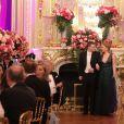 Exclusif - Phoebe Fraser (en robe Maison Mayad) et son cavalier Hugh Fraser - Les débutantes au Bal 2019 au Shangri-La Hotel, Paris. Le 30 novembre 2019 . © Le Bal / Jacovides-Borde-Moreau / Bestimage