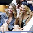 Cara Delevingne et sa compagne Ashley Benson - Dans les tribunes de la finale femmes du tournoi de tennis de l'US Open 2019 à New York le 7 septembre 2019. B.Andreescu remporte le match face à S.Williams