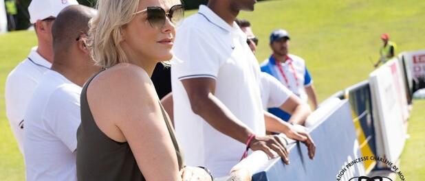 Charlene de Monaco avec ses enfants à Dubaï : ils ont nagé avec des dauphins