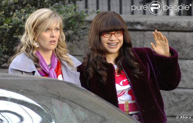 Ashley Jensen et America Ferrera dans Ugly Betty