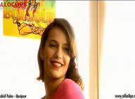 Zoé Félix, rayonnante dans le nouveau clip de Rachid Taha et Gaëtan Roussel. Elle voit la vie en rose, regardez !